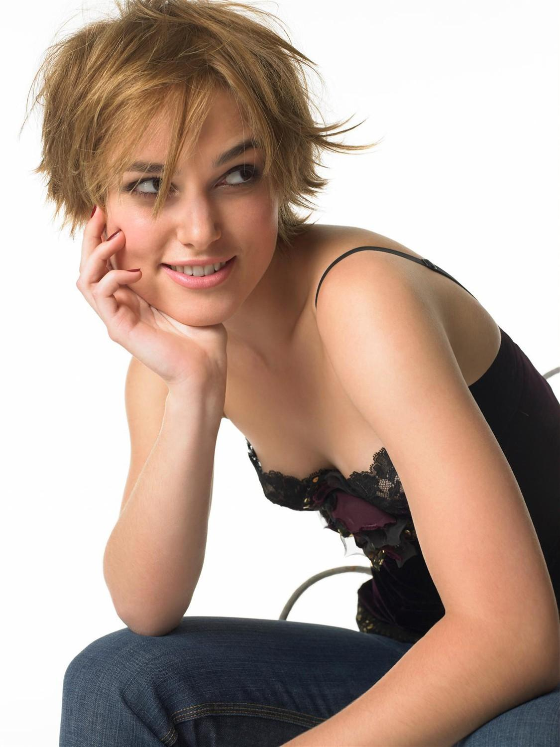 http://cdn23.us3.fansshare.com/celebrity/photos/934_keira-knightley-photoshoots-fashion-shoot-short-hair-hair-1784273319.jpg