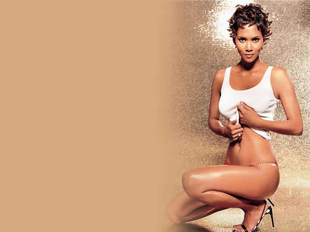 Halle Berry Sexy Legs Normal